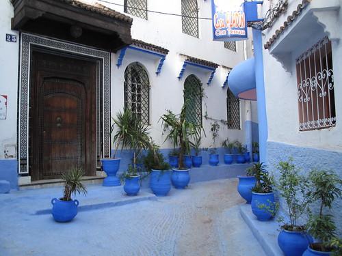 Medina, with pots