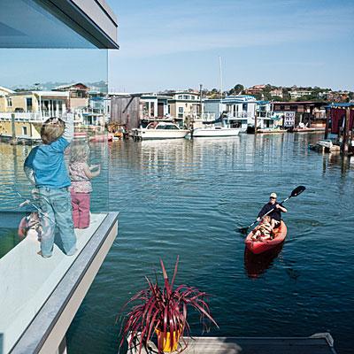 houseboat-window-0510-l