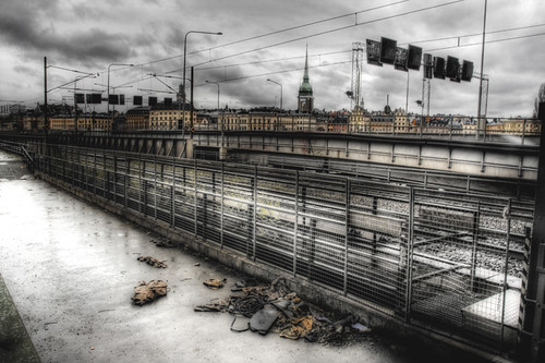 Stockholm. Garbage by the railroads. Estocolmo. Basura junto a las vías de tren