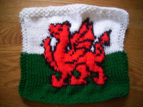 Knit Welsh Dragon Square