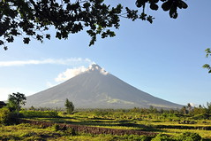 mayon volcano (lulaymb) Tags: volcano philippines bicol albay mayonvolcano