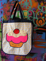 yummybag (priscilla • Qüi.Qüi) Tags: cupcake feltro ecobag sacola botões