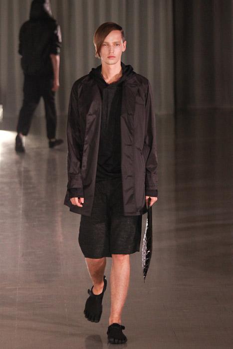 Rutger Derksen3070_SS11_Tokyo_MOLFIC(Fashionsnap)