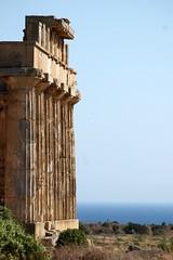 Regular (TMtheSign) Tags: italy nikon italia d70s sicily sicilia agrigento greco selinunte tempio greektemple tempiogreco
