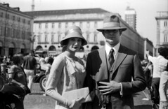 Back to the '50 (Valiena) Tags: vintage torino models bn piazza yashica sancarlo analogico modelli backtothe50