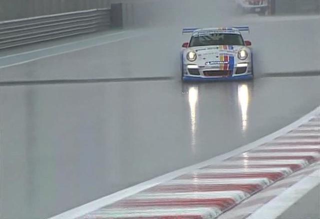 2010 Porsche Supercup Abu Dhabi practice