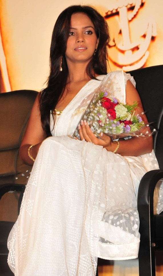 Neetu-Chandra-White-Saree (1)