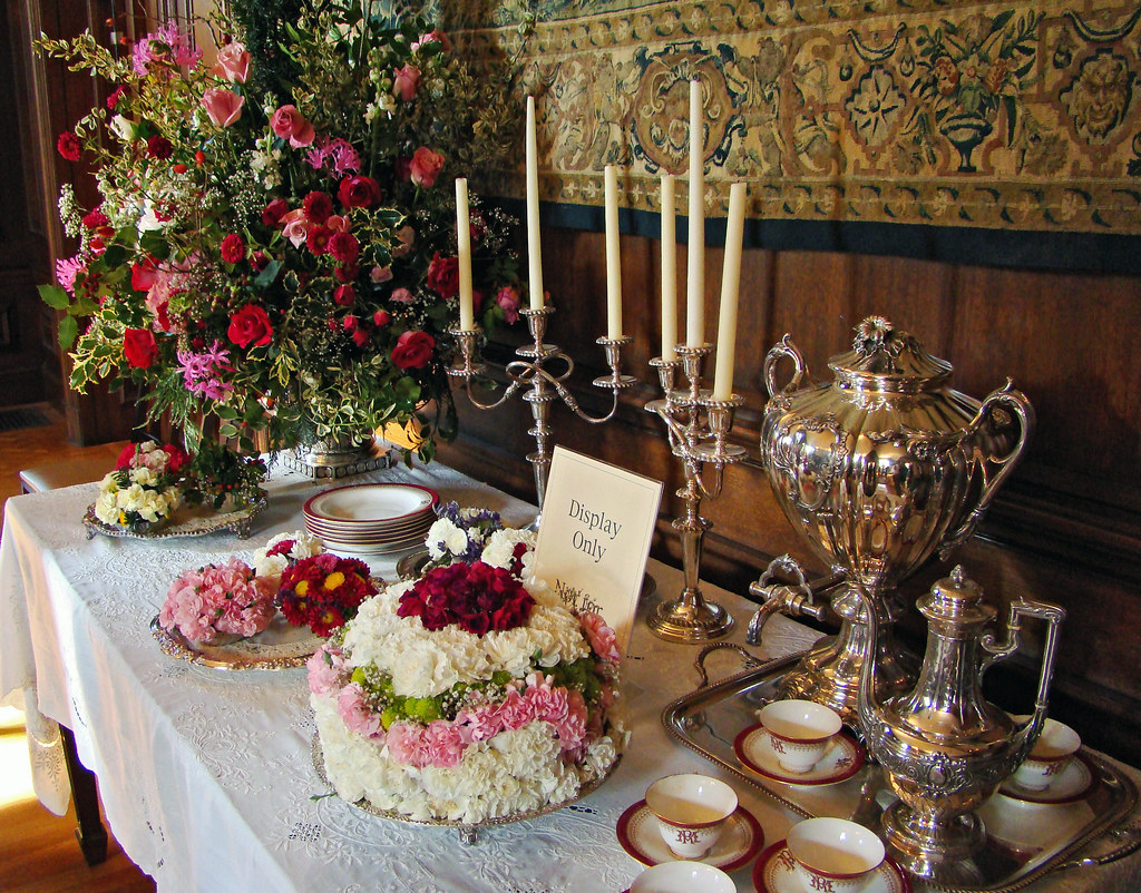 DSC03324 Filoli Holiday Tea Table