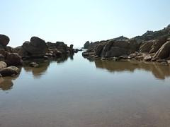 Sur le sentier littoral au S de Capu di Fenu : et deux calas, deux !