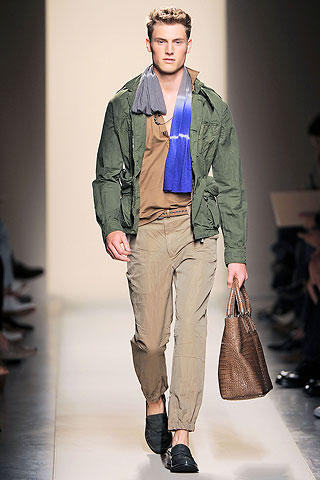 Matt Benstead3002_SS10_Milan_Bottega Veneta(Men Style com)