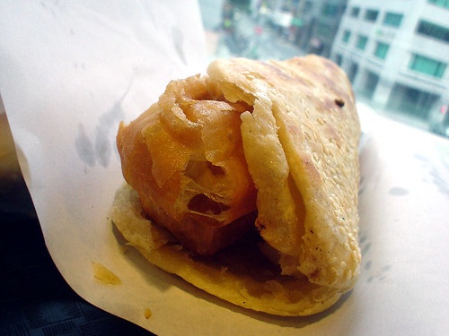 15.薄燒餅夾油條