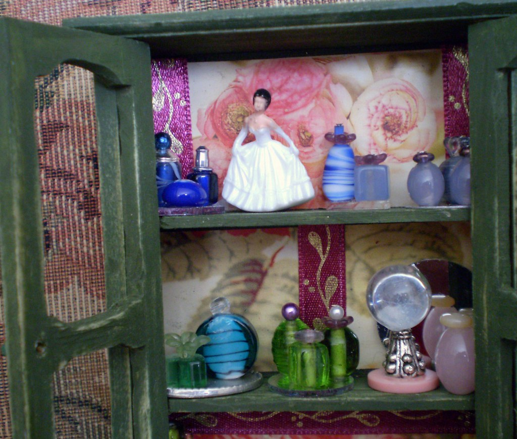 Enchanted Elegant Collection Display Cabinet ~ 1:12 Scale