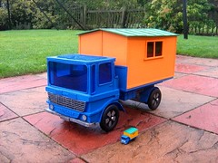 Large Model Of A Matchbox Leyland Site Hut Truck Toy No. 60 Made Entirely From Recycled Cardboard And Other Recycled Materials - 2 Of 7 (Kelvin64) Tags: truck toy corgi model wheels lorry trucks matchbox dinky lorries