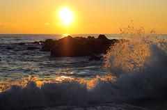 [フリー画像] [自然風景] [海の風景] [波の風景] [朝日/朝焼け] [水しぶき]      [フリー素材]