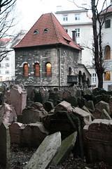 Old Jewish Cemetery (7) (nican45) Tags: slr cemetery canon eos czech prague sigma prag praha unescoworldheritagesite unesco czechrepublic dslr ghetto 18200 worldheritage josefov malstrana oldjewishcemetery 400d staridovskhbitov hccity 18200mmf3563dcos