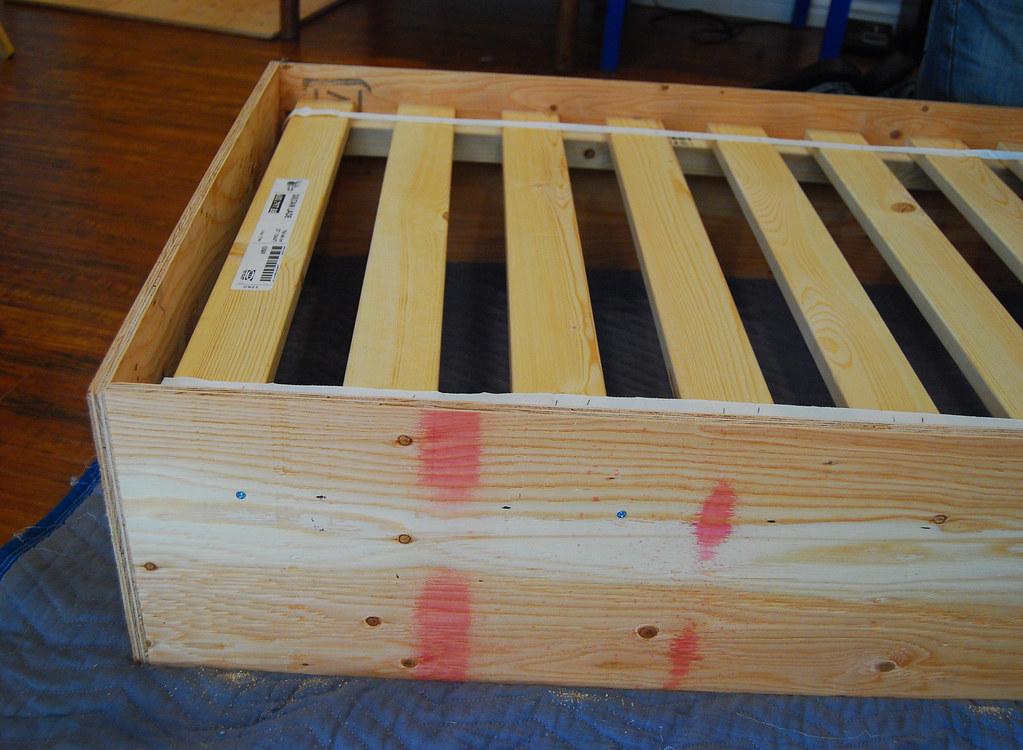 DIY Toddler Bed - Mami Talks™