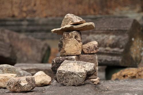 Me Bon, Angkor Wat stone balancing
