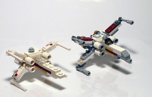 30051 LEGO Star Wars X-Wing Mini - Comparison 2