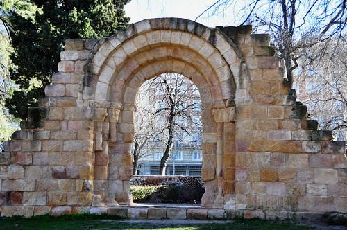 59 - Puerta - Iglesia San Isidoro - San Pelayo - Parque Retiro - Madrid - Spain por ELCABALLOALVARO.