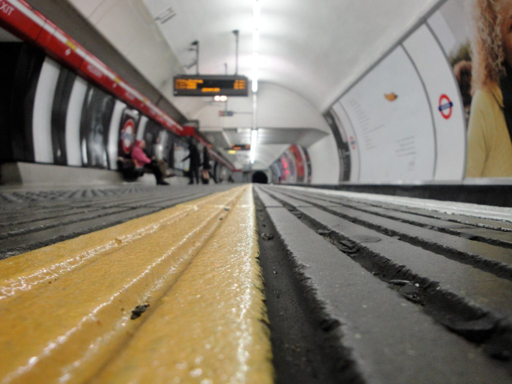 LONDON - 187