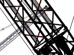 P2171147 (zeze57) Tags: lines crane olympus soe e510 zeze57