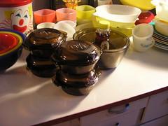 P1010724 (Merry Mae) Tags: kitchen vintage tin amber clown kitsch bowl casserole retro mug mixing etsy pyrex nesting fireking hoosier glasbake anchorhocking milkglass hazelatlas decoware liptonsoupmugs merrymae