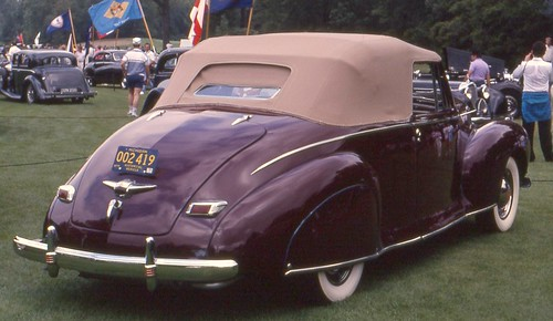 1941 LINCOLN ZEPHYR SEDAN