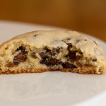 Levain Bakery-Style Chocolate Chip Cookies