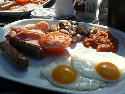 full english breakfast de près.jpg
