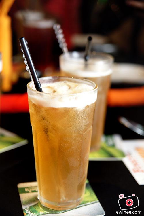 FUNKY-VILLA-E@CURVE-Ice-Lemongrass