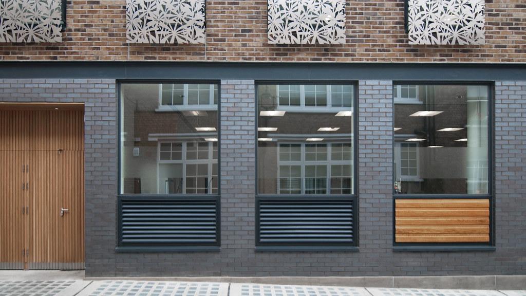 Bentinck Mews facade (ESA)