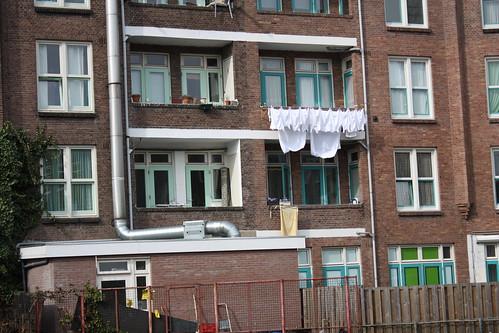 Casas Amsterdam com varal na janela