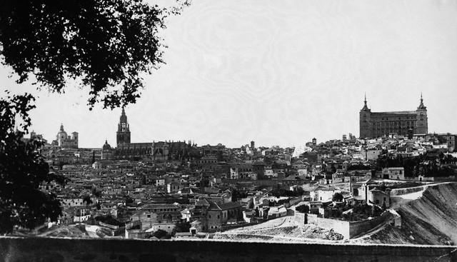 Toledo el 12 de septiembre de 1936. Image by © Hulton-Deutsch Collection/CORBIS