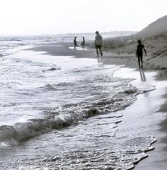 A walk to remember (-BesnikS-) Tags: albania rana shqiperia plazhi shengjin hedhur