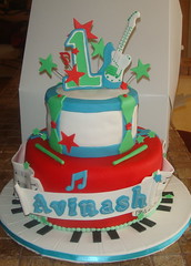 Musical Birthday cake (Desserts By Rondi) Tags: birthday music cake keys drum guitar piano note musical string sheet clef