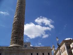 Il cielo di Roma (Air Force One) Tags: roma piazzacolonna cieloromano colonnadimarcoaurelio