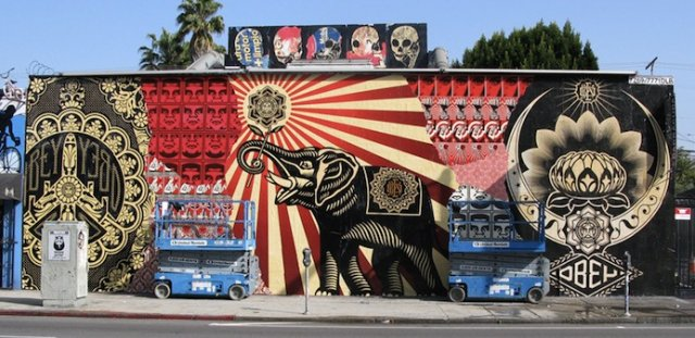 ShepardFaireyMelroseAveLosAngeles1