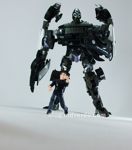 Transformers Barricade Human Alliance RotF - modo robot