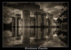 23 Jul 2009_0447_8_9 copy (Saving Private Emily) Tags: 3 castle nikon exposure national trust bodiam nationaltrust 2009 hdr bodiamcastle d300 photomatix 1224mmf4 nikond300nikkor
