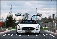Mercedes Benz SLS AMG (ThomvdN) Tags: white photoshop mercedes benz hp rotterdam nikon meeting 63 1855 vr 62 sls amg lightroom sportcar d60 cs3