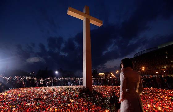 Imagen de duelo en Polonia por la muerte de su presidente