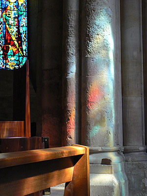 lumières dans saint pierre de montmartre.jpg