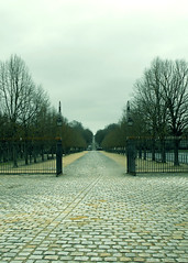 path (markselby) Tags: holiday france gate path font chateau fontainebleau