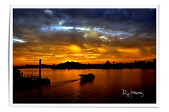Sunset Over Sarawak River ( Ringgo Gomez ) Tags: 1001nights riceworld kfk flickrsbest topseven worldbest nikond90 flickrawards flickraward malaysianphotographers elitephotography sarawakborneo mygearandme rubyawardwinner