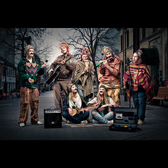 Under Dusken | Nett (Severin Sadjina) Tags: road lighting street city houses light people musician music man 50mm evening promo student artist mood cityscape guitar band scene singer players trondheim folkmusic flashes bandphotography strobes promoshot canonef50mmf14 bandpromo underdusken strobist 5dmarkii 5dmkii