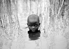 Kid swimming in Lake Kivu, Rwanda (Eric Lafforgue) Tags: africa boy water childhood swim outdoors nager kid eyes bath bravo eau child head african lac rwanda bain afrika enfant commonwealth oneperson brasserie greatlake tete africain afrique eastafrica lakekivu kivu gisenyi lookingatcamera centralafrica rossau kinyarwanda lafforgue ruanda 0848 lackivu grandlac afriquecentrale  gisenye  regardcamera   kisenyi republicofrwanda   ruandesa