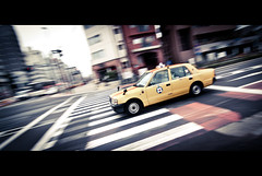 Tokyo Taxi (kaoni701) Tags: city travel motion blur car japan speed landscape nikon shinjuku taxi wideangle tokina shutter  cinematic panning  116 lr3 uwa  1116 d300s