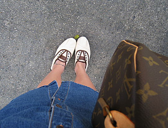 Toms Shoes Cordones+Louis Vuitton speeday+denim dress