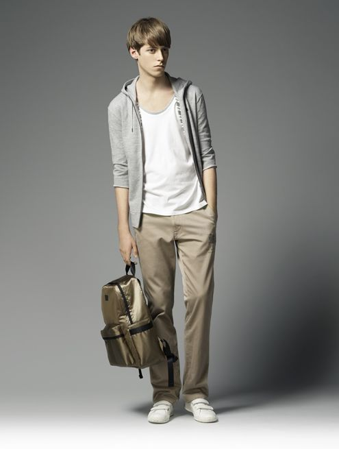 Benjamin Wenke0041_Burberry Black Label Summer 2010