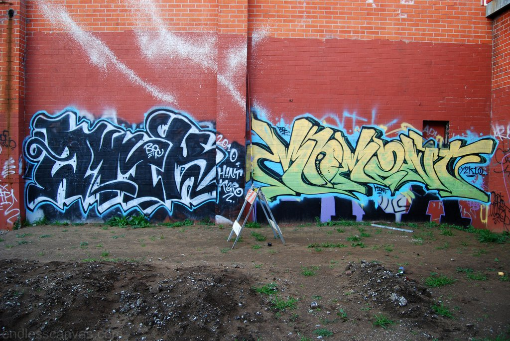 Atik, Moment, Hint graffiti in Oakland California Yards.